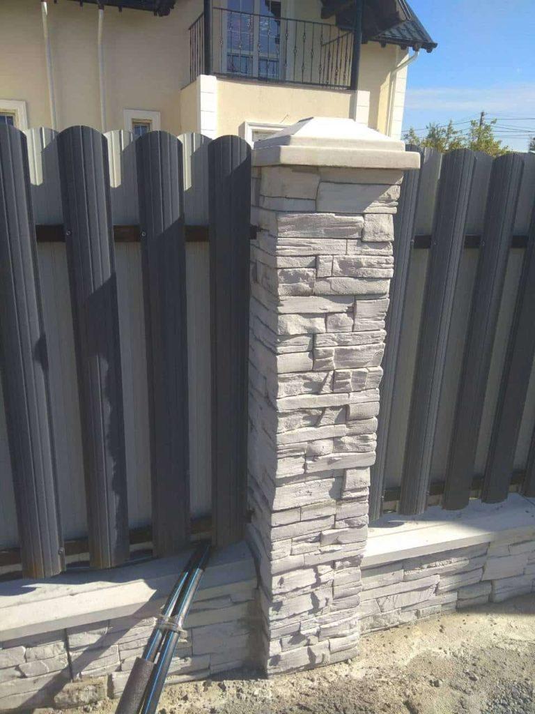 бетонные блоки для столбов из камня и кирпича